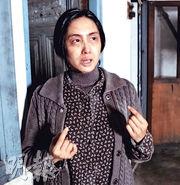 朱茵在《古宅》中由20多歲演到60多歲,不介意以老妝示人。