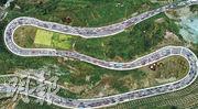 昨是十一長假第二天,四川境內的京昆高速成雅和雅西段、雅康高速等多條高速公路以及國道318線瀘定至康定再迎出行高峰,路上塞滿車輛,交警部門要採取分流和管控措施。(中新社)