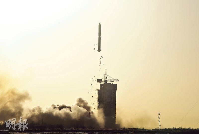 酒泉衛星發射中心在29日上午8時43分用長征二號丙運載火箭,成功發射中法合作研製的首顆衛星——中法海洋衛星。(中新社)