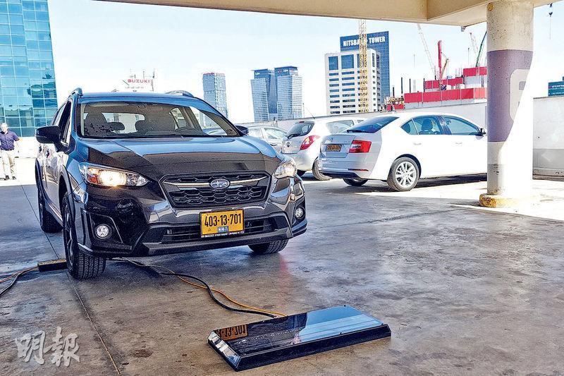 以色列初創企業UVEye能利用高速攝錄機,掃描行駛中的車輛底部,並於半分鐘內分析圖片,檢測出汽車的損壞及安全隱憂,例如是否藏有危險品或毒品走私。(林穎茵攝)