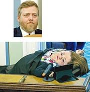 冰島中間黨主席、前總理貢勞格松(上圖)等議員被錄下對話,顯示他們以粗鄙用語評論女國會議員和患有「玻璃骨」病症的知名女維權人士哈拉爾斯多蒂爾(下圖)。錄音顯示有人戲謔哈拉爾斯多蒂爾似海豹。(網上圖片)