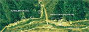 衛星圖片顯示朝鮮一處軍事基地有擴建迹象,包括隧道入口(圓圈示)、設有遮掩物的行車道(方框示)等。(網上圖片)