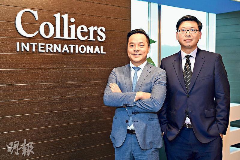 高力國際甄浚岷(左)表示,樓價調整期內,二手物業中料以「納米戶」跌幅較多,而豪宅單位的影響較小。(賴俊傑攝)