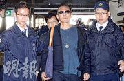 台灣導演鈕承澤涉嫌性侵女工作人員,昨日再到台北地檢署應訊。(中國時報)