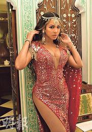 Beyonce穿著充滿印度風情的歌衫,專程飛往印度拉賈斯坦邦,擔任印度首富女兒的婚前派對表演嘉賓。