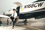 「中國環球飛行第一人」陳瑋乘搭的小型飛機上周四在美國亞特蘭大市墜毀,機上4人罹難。圖為陳瑋生前照片。(網上圖片)