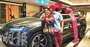 周杰倫即將40歲生日,太太昆凌送贈名車。