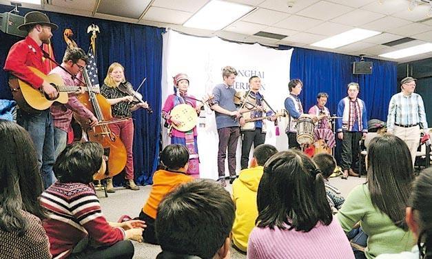 美國國務院為宣揚美國文化,過去10年在中國贊助開設多間文化中心,英文課僅討論時尚、音樂和體育活動,不涉政治。(網上圖片)