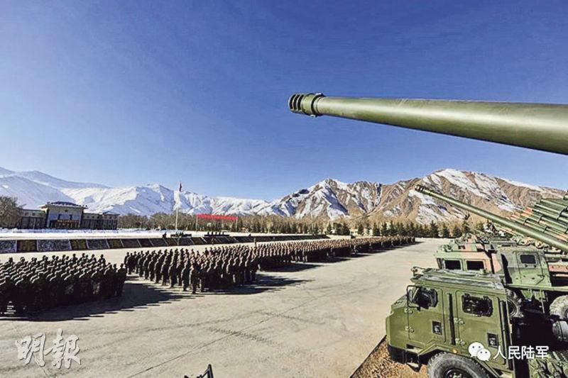 2017年中印洞朗對峙時,西藏軍區炮兵某旅曾列裝PLC-181型車載155毫米榴彈炮。該火炮前日在陸軍官方微信號正式曝光(圖)。(網上圖片)