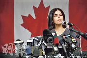 沙特少女拉赫夫上月逃亡澳洲時在泰國被攔截,引起國際關注,她獲加拿大給予庇護,上月15日在多倫多召開記者會。(法新社)