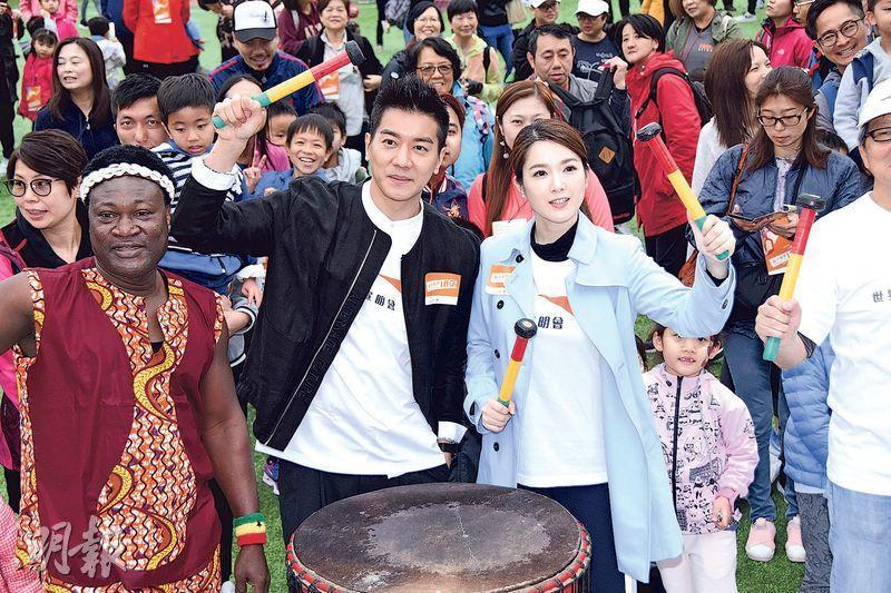 黎諾懿(左)與苟芸慧昨日出席宣明會親子活動。(攝影:鍾偉茵)