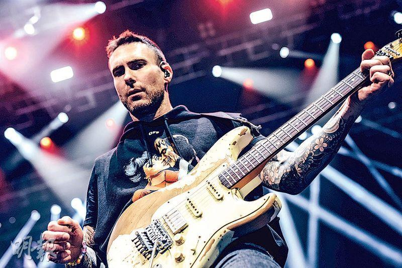 Maroon 5前晚在澳門舉行演唱會,吸引大批樂迷朝聖。