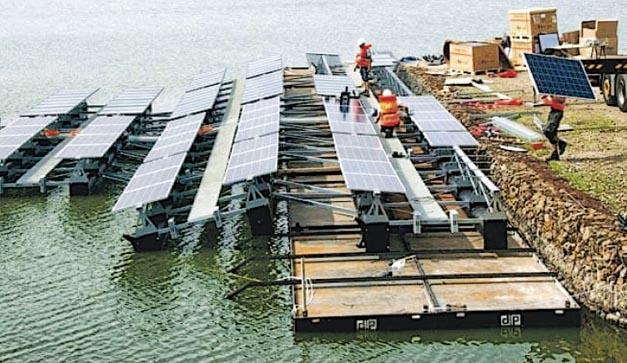 荷蘭正建造全球最大規模能追蹤太陽的水上太陽能發電場。(網上圖片)