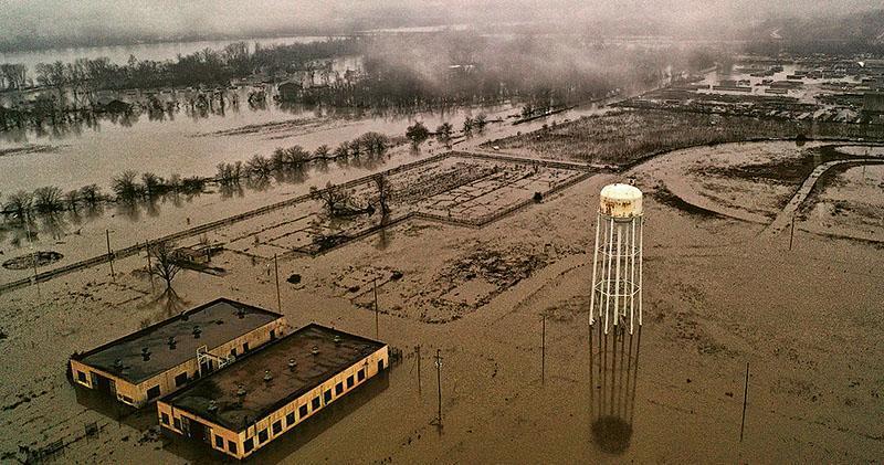 內布拉斯加州今年遭遇洪災,3月19日拍攝的照片顯示,奧馬哈以南的普拉特地區因氾濫成為澤國。(路透社)