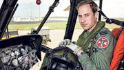 英國威廉王子在英國廣播公司的節目上,坦言母親戴安娜王妃之死令他陷入無比痛苦,直至他2015年起出任救援直升機機師,面對喪親的家庭時仍會有負面情緒。(網上圖片)