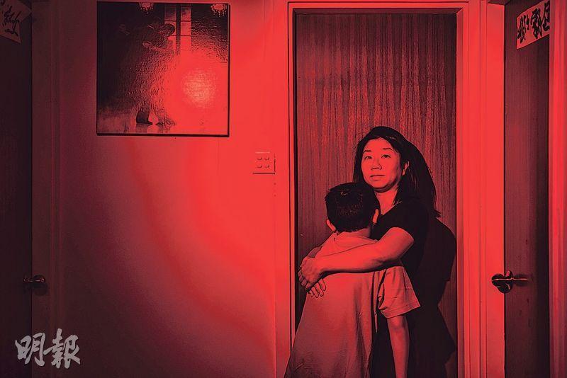 莊梅岩(圖)一直認為六四很值得寫,已為人母的她可代入天安門母親的心情,心想若自己兒子遇到此事,她也不可能放下。(馮凱鍵攝)