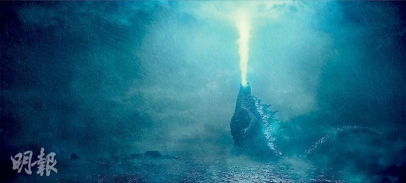 哥斯拉使出絕招「原子吐息」,透過IMAX巨幕欣賞應該相當震撼。