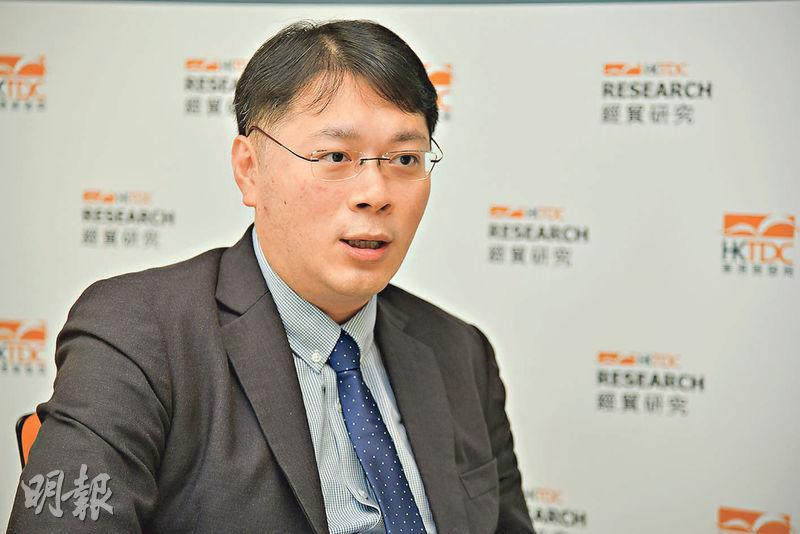 貿發局環球市場助理首席經濟師陳永健(圖)表示,中美關係緩和對港商訂單有正面作用,但由於產品未必再經香港出口,利好或不能反映在本港出口數字上。(黃志東攝)