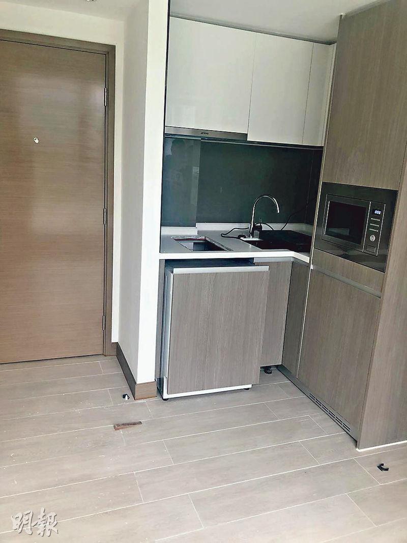 珀玥首宗租賃成交為高層C室單位,實用面積201方呎,屬開放式間隔,廚房採開放式設計。