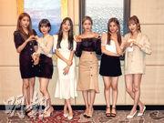 GFriend成員Sowon(左起)、Eunha、Yerin、Sin B、Umji及Yuju,出道至今4年,經常交流時裝心得。(攝影/記者:蘇珮欣)