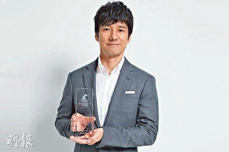 西島秀俊憑同性戀者角色,成為今年首季日劇的視帝。