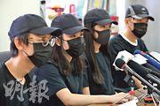 「中學生罷課聯盟」昨呼籲學生9月3日起罷課,要求政府回應五大訴求。成員之一張同學(左二)稱,聯盟主要為協助學生及作溝通平台。(曾憲宗攝)