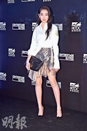 林愷鈴昨日出席時裝展開幕活動,成為採訪焦點;她稱父母分開後仍然是朋友關係。(攝影:鍾偉茵)