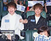陳卓賢(左)和姜濤(右)昨日到九龍灣出席音樂電影《戀愛要在生日前》首映禮。(攝影:鍾偉茵)