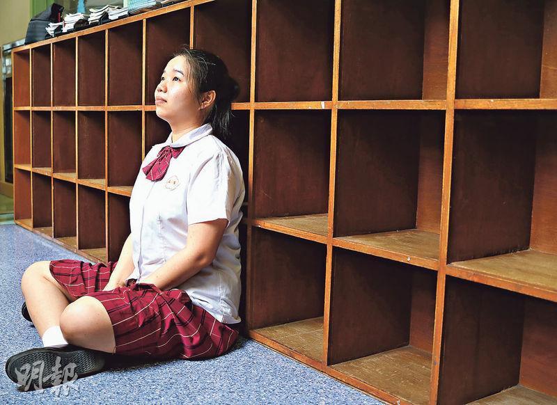 恰如卷三行文風格,李晨曦相當實際。她心儀香港中文大學,因為校風低調樸實,離家亦近。工程學是專科,前途算在掌心之間。(蔡康琪攝)