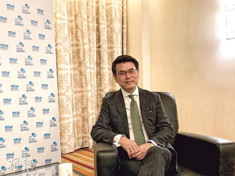 商務及經濟發展局長邱騰華在美國接受訪問時表示,美國豁免437項中國進口貨品關稅未能帶動本港出口反彈,指微調未能釋除中美貿易戰的對香港傷害。