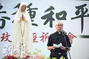 天主教香港教區輔理主教夏志誠昨在祈禱會上,呼籲社會將街頭抗爭變為11月區議會選舉的選票,重建和平社會。(賴俊傑攝)