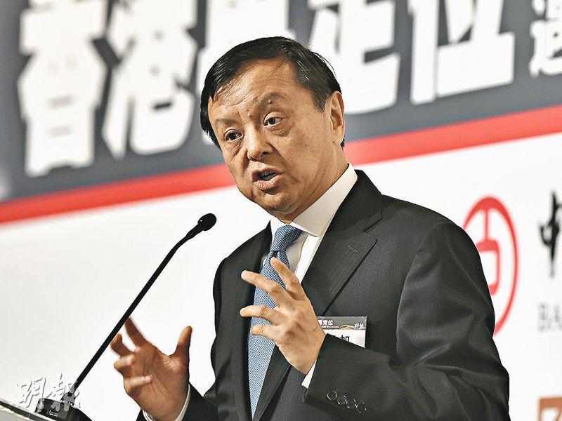 港交所行政總裁李小加(圖)昨日撰文回應「香港還行嗎」的問題,意指對本港是否仍能維持現有金融中心地位的質疑。對此他頗具信心,給出「香港還行,肯定行」的答案。(資料圖片)
