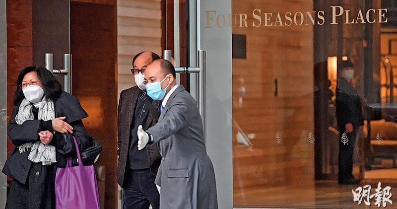 本港昨日再發現武漢人對新型冠狀病毒測試呈陽性反應,有關病人曾到位於中環的香港四季酒店,該酒店大堂昨日加強清潔。(鄧宗弘攝)