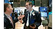 美國經濟數據遜預期,加上投資者憂慮武漢肺炎波及美國經濟,即使收市前有政府推出美股投資者減稅的消息提振,道指收市仍跌0.09%,恒指夜期收市低水逾200點。(法新社)