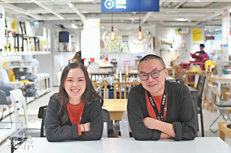 歐奕麟(右)是樂穎詩(左)的上司,但兩人相處輕鬆自在,不覺拘謹。