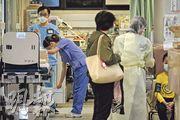 財政預算案向醫管局額外撥款5.66億元以作挽留人手措施,惟醫生組織認為無助挽人,並批評醫管局同日宣布或追究罷工員工。(鍾林枝攝)