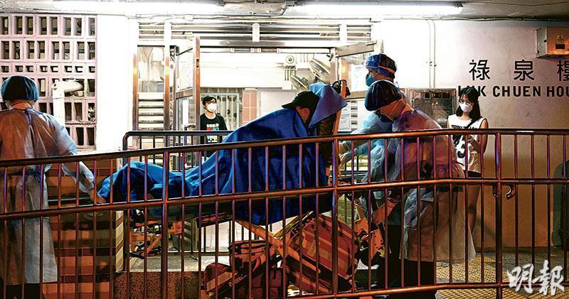 貨倉群組多3宗  瀝源邨爆疫  女工同廈4住客初步確診  救護中招同事現病徵