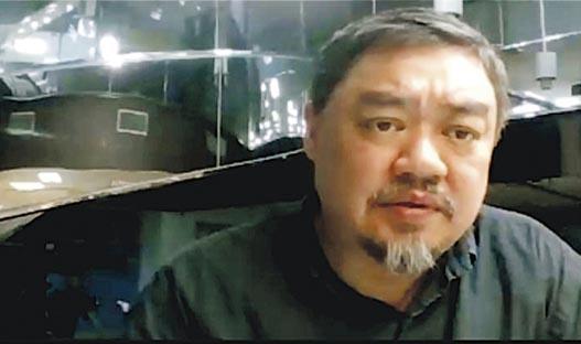 六四學生領袖吾爾開希現定居台灣,他在線上六四公祭活動中提到「香港的好男好女們」,稱港人的堅持讓他們31年前提出的自由民主口號得以延續。(視頻截圖)