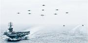 美軍或於短期內在西太平洋部署列根號、尼米茲號、羅斯福號3艘航母。圖為美國國防部周四(11日)在Twitter發布的照片顯示,尼米茲號在太平洋訓練時放飛多架戰機。(網上圖片)
