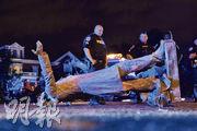 美國最近掀起推翻邦聯紀念雕像潮,在弗吉尼亞里士滿,示威者周三推倒邦聯總統戴維斯的雕像。里士滿是昔日邦聯首府。(法新社)