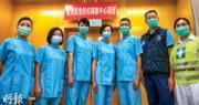 香港自1月下旬錄得首宗新型冠狀病毒確診個案,至今5個月,衛生署主任顧問醫生(家庭醫學)范婉雯(中)說,不少醫護在疫情高峰期壓力大得落淚。(林若勤攝)