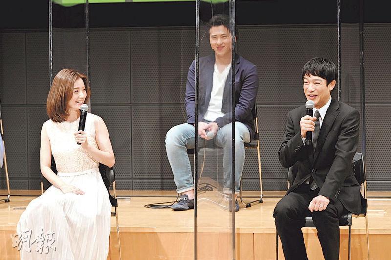 上戶彩(左)在《半澤直樹2》再次扮演堺雅人(右)妻子,默契十足。