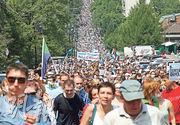 哈巴羅夫斯克前天有逾萬人示威支持日前被捕的當地首長富爾加爾,是俄羅斯遠東地區近年最大規模民眾示威之一。(路透社)