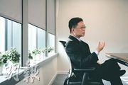 對於社會憂慮網絡及資訊自由將受限制,創科局長薛永恒(圖)說,任何自由都在規範之下,認為實行一段時間後,才可見國安法對社會是好是壞,期望國安法落地後可令香港回歸平靜,重拾創科發展的勢頭。(林靄怡攝)