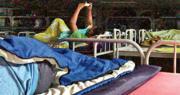 業內人士向本報提供其他貨櫃碼頭員工休息室的照片,內設多張碌架牀,環境狹窄,牀與牀甚近。職工盟統籌幹事王宇來表示,據其了解,圖中休息室與爆疫的宏記員工休息室的格局相似。(讀者提供)