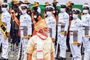 印度總理莫迪上周六(15日)在德里紅堡舉行的獨立日活動檢閱儀仗隊,他當日在演說再次以「擴張主義」形容中國。(路透社)