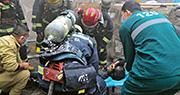 搜救行動1日晚6時30分結束,消防現場救出28人,13人遇難,其餘15人送院救治,暫無生命危險。(網上圖片)
