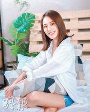 上屆港姐亞軍王菲自爆經常在片場偷看前輩演戲,有助提升演技。