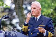 9月28日,特朗普在白宮玫瑰園主持了一場宣傳政府新冠病毒檢測計劃的活動,其間衛生部助理部長吉魯瓦爾(Brett Giroir)示範快速測試。(路透社)