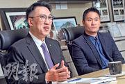 德勤中國主席周志賢(左)表示諮詢業務因應近年需求激增而加快,但公司並非特意轉型做諮詢公司,而是隨客戶轉型而改變。右為德勤中國管理諮詢合伙人黃文標。(劉焌陶攝)